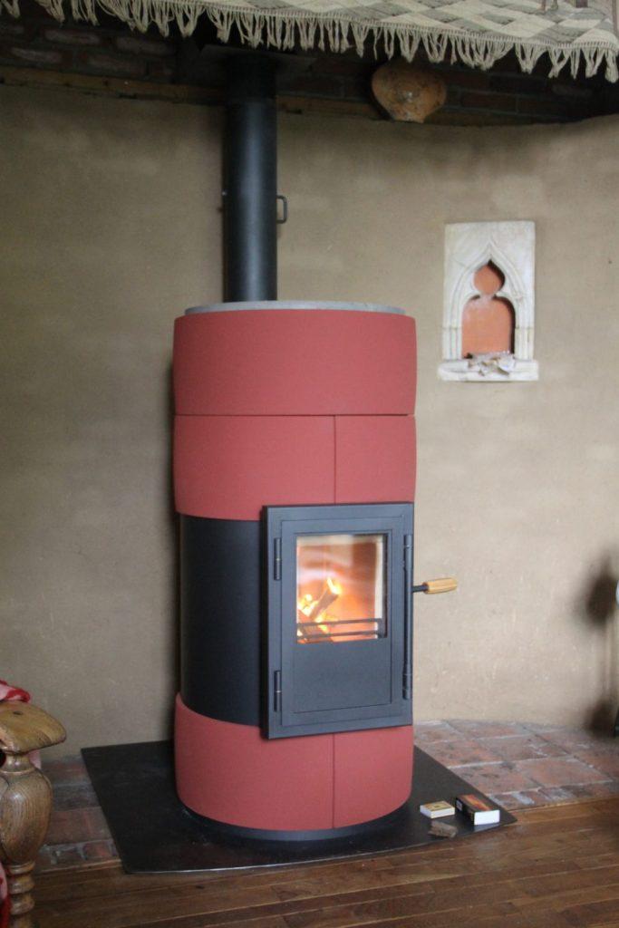 VUURS II design houtkachel binnen in huis